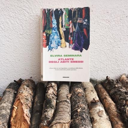 Atlante degli abiti smessi di Elivera Seminara